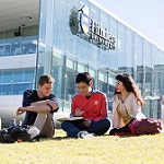 Flinders University to offer a 100% tuition scholarship for business studies