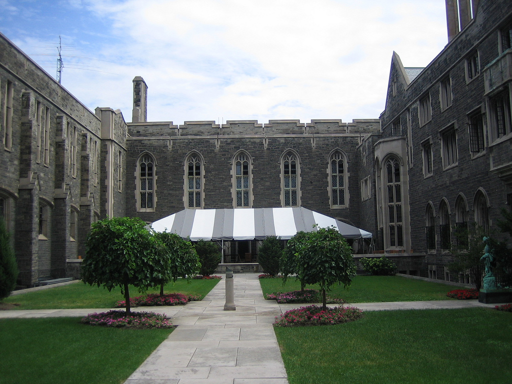 University of Toronto Photo by Allaboutuni2307 (Flickr)